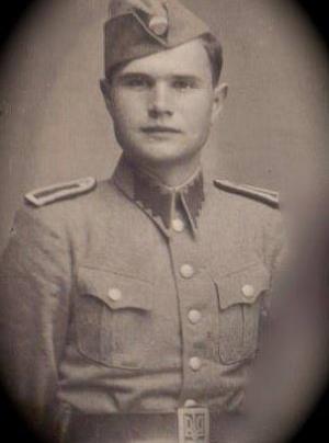 Foto de Mykola Hryckowian con el uniforme de la UPA en una página de Facebook familiar