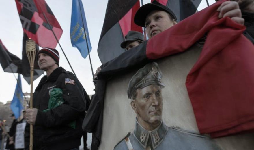 Retrato de yuriy Shukhevych en un acto homenaje a OUN/UPA