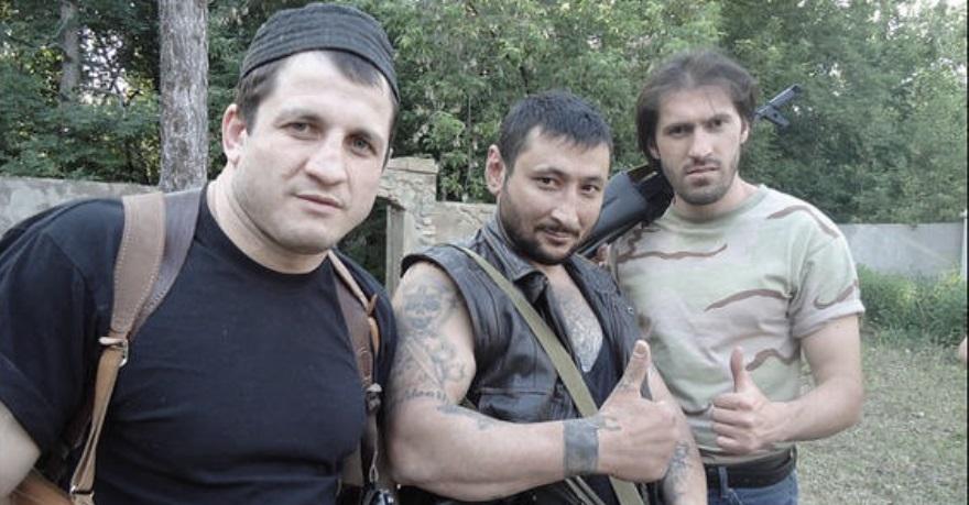 Erkin Islamov, en el centro de la imagen.
