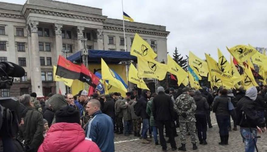 na_kulikovom_pole_protestuyut_protiv_rossiyskoy_okkupatsii_ukrainskoy_ekonomiki_3003 (1)