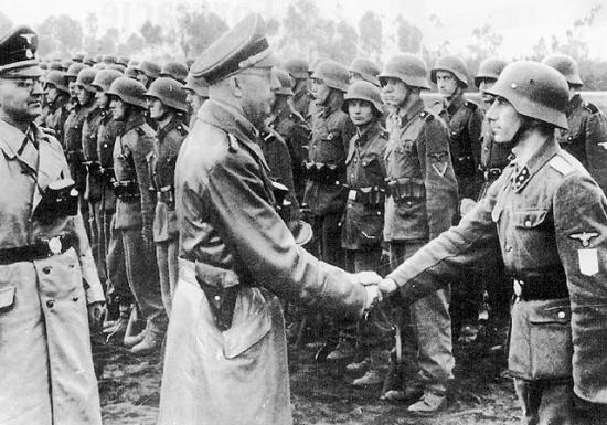 Himmler inspecciona a la División Galicia