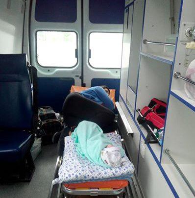 Elena Glischinskaya y su hijo recién nacido a la espera de ser intercambiados